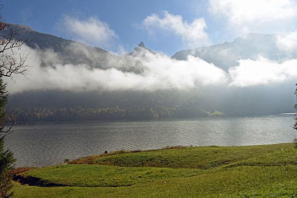 5341 / Wochenbild, Nebel über dem Wägitalersee
