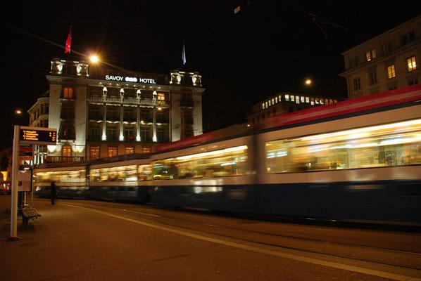 Nr. 2050 / 23.02.2011 / Zürich Paradeplatz / 3872 x 2592 / JPG-Datei