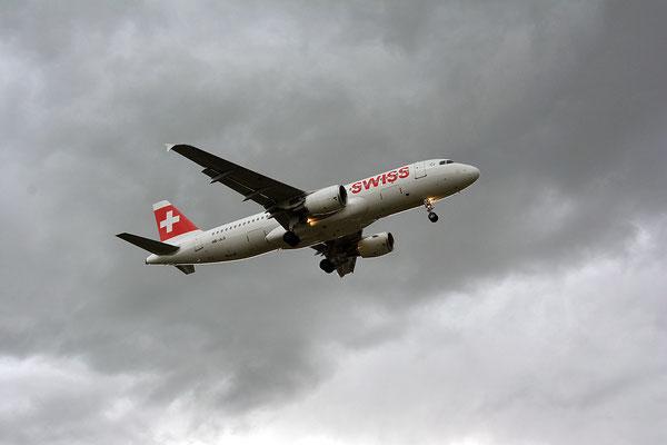 Nr. 2225 / 11.05.2014 / Flughafen Zürich / 6000 x 4000 / JPG-Datei