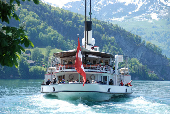 Nr. 2007 / 17.05.2012 / Vierwaldstätter-See, Raddampfer  / 3872 x 2592 / JPG-Datei