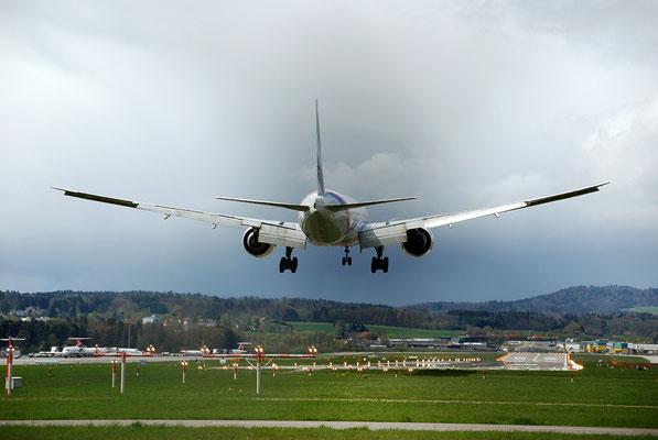 Nr. 2219 / 22.04.2012 / Flughafen Zürich / 3872 x 2592 / JPG-Datei