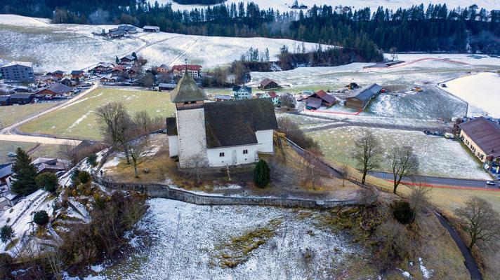 2020 Woche 12, Kirche bei Château d'Oex