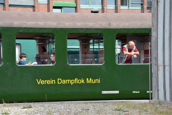Nr. 2126 / 05.06.2014 / Etzwilen, Dampflok Muni / 6000 x 4000 / JPG-Datei