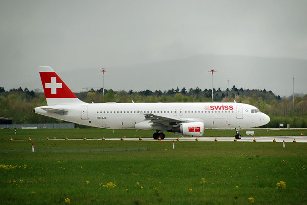 Nr. 2218 / 22.04.2012 / Flughafen Zürich / 3872 x 2592 / JPG-Datei