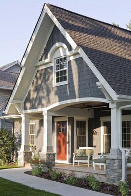 Na dachu widoczny gont marki GAF z linii Timberline HD w kolorze Charcoal