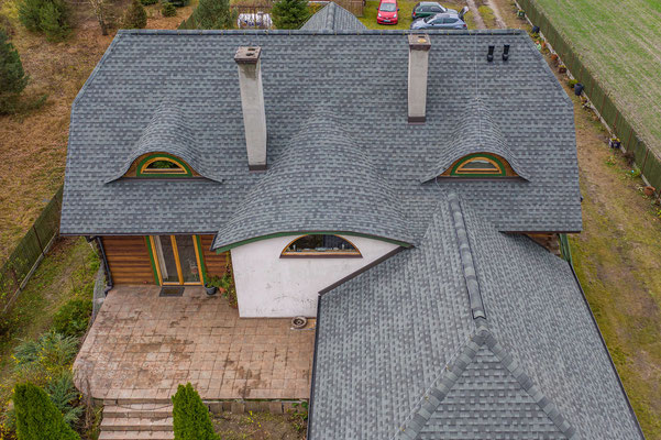 Renowacja dachu z zastosowaniem wysokiej jakości gontu bitumicznego GAF Timberline HD w kolorze Slate