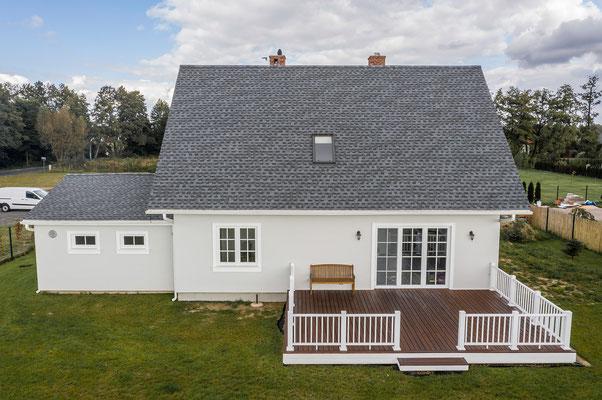 Dach pokryty gontem bitumicznym marki GAF model Timberline HD w kolorze Pewter Gray