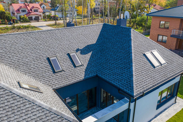 Gont bitumiczny GAF z linii Timberline Ultra High Definition Dual Shadow w kolorze Pewter Gray