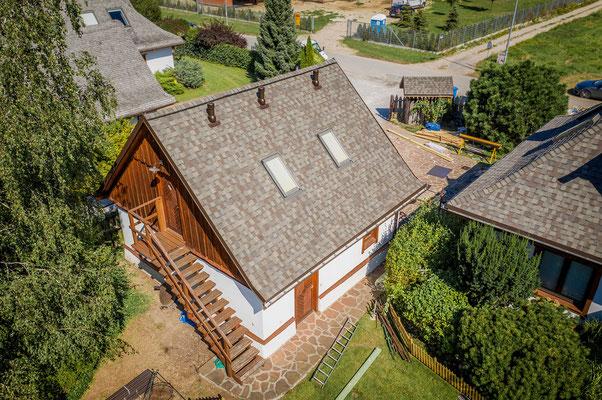 Amerykański gont bitumiczny na dachu dwuspadowym