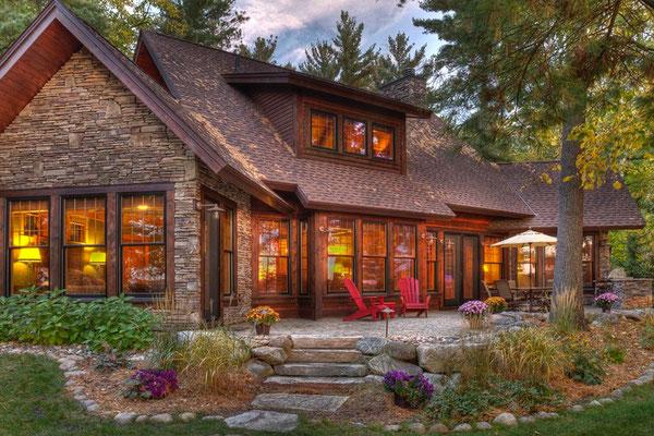 Na dachu widoczny gont marki Timberline HD w kolorze Hickory