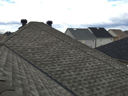 Na dachu widoczny gont marki Timberline HD w kolorze Weathered Wood