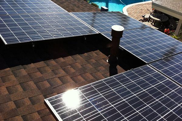 Na dachu widoczny gont marki GAF z linii Timberline HD w kolorze Hickory