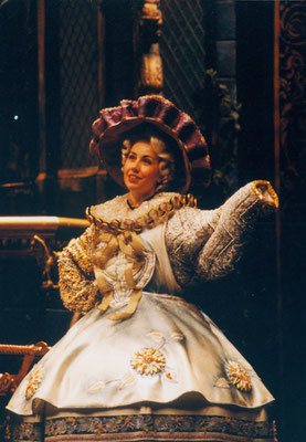 "Mrs.Potts in ""Beauty& the Beast"""