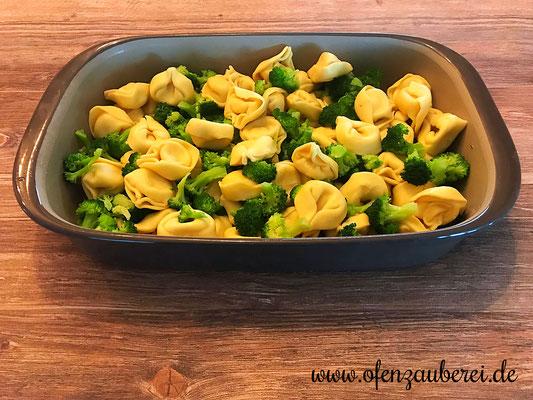 Brokkoli und Tortellini als Gratin in der Ofenhexe von Pampered Chef®
