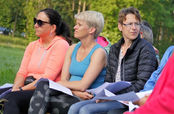 rechts: Anja, die Vorsitzende der kfd Eslohe