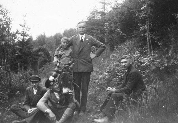 Eseleien: Josef in lustiger Gesellschaft um 1935