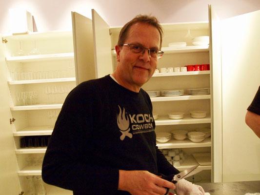 Wolfgang bereitet heute Seeteufel zu
