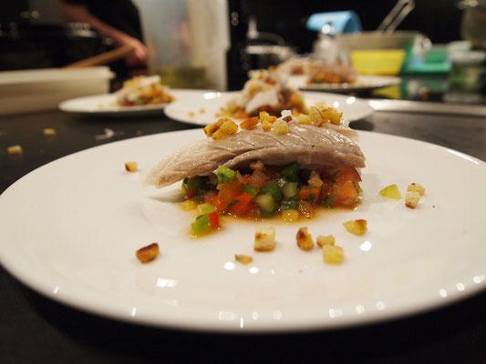 Loup de Mer auf Gazpacho Salat