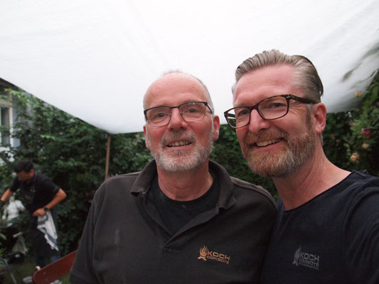 der Gastgeber Kochcowboy Michel mit Kochcowboy Stefan