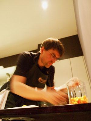 Marcel arbeitet und arbeitet