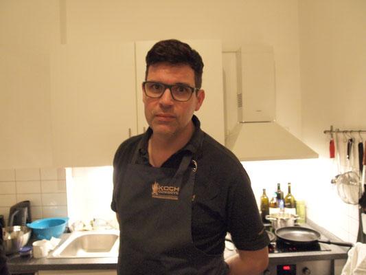 Massimo wird auf feinste Weise italienisch für uns kochen