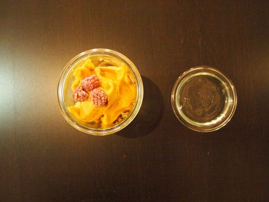 Avocado Schokomus mit Mangoeis