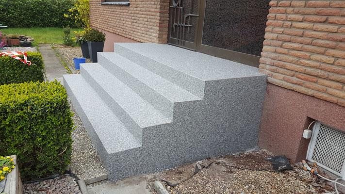 treppe hauseingang selber bauen wohn design. Black Bedroom Furniture Sets. Home Design Ideas
