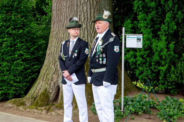 Für den Ablauf und die Durchführung der Veranstaltung war Hauptmann Reinhold Borgmeier verantwortlich. Erstmalig hielt die Rede am Ehrenmal der Schütze Mario Wachsmann.
