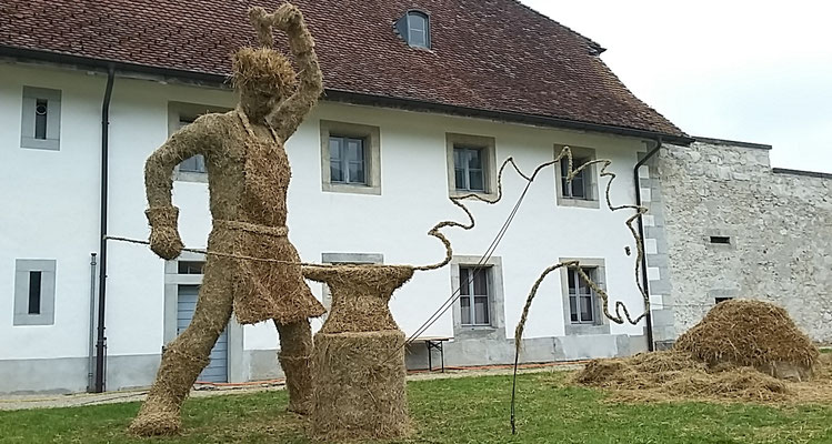 Le Faiseur de Chevaux, forgeron - Sculpture sur foin - Rencontres Internationales de sculptures sur foin de Bellelay 2018 - Manon Cherpe