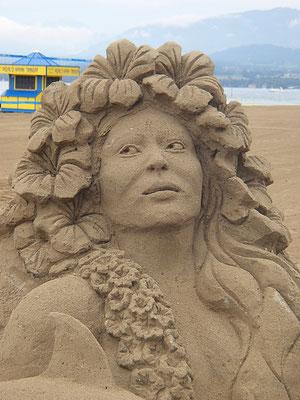 Hawaïenne - sculpture sur sable, Fête du sable Excenevex, Manon Cherpe
