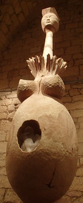 Gaia, grande Déesse Terre-Mère - Sculpture sur bois - Branche de tilleul - hauteur 2,5m - Manon Cherpe