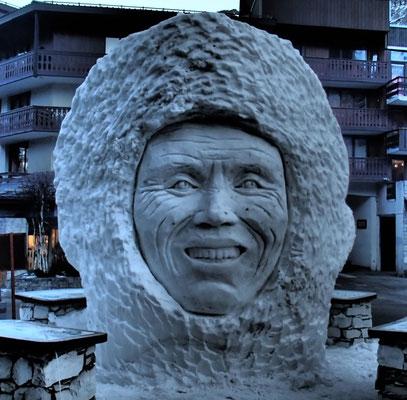 Sculpture sur neige - hauteur 4m - Val d'Isère - Manon Cherpe