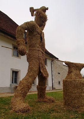 Le Faiseur de Chevaux, forgeron - Sculpture sur foin - Rencontres Internationales de sculptures sur foin de Bellelay 2018 - Manon Cherpe