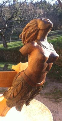 Figure de proue - Table basse en noyer et en chêne