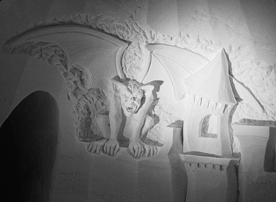 Gargouille - Sculpture sur neige - Village Igloo Les Arcs - Largeur 2,5m - Manon Cherpe