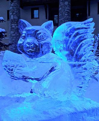 Ecureuil - Sculpture sur glace - Val d'Isère - Manon Cherpe