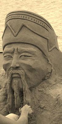 Empereur chinois -sculpture sur sable, Palavas-les-Flots, Manon Cherpe