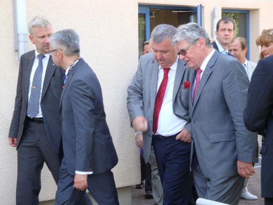 Der Bundespräsident im Gespräch mit Landrat Gernot Schmidt