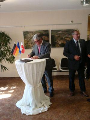 Beide Präsidenten im Foyer des Kulturhauses Küstriner Vorland
