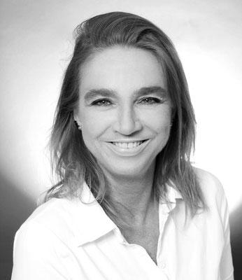 Frau Paul (ZFA u. ZMF): Prophylaxe, Professionelle Zahnreinigungen, Zahnaufhellungen (Bleaching)