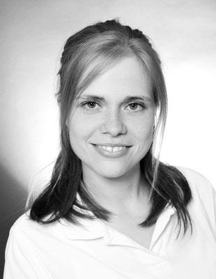 Frau Romann (ZFA u. ZMP): Assistenz, Professionelle Zahnreinigungen, Verwaltung