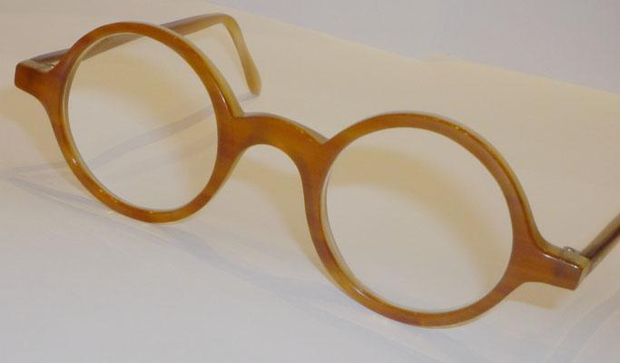 Runde Büffelhornbrille