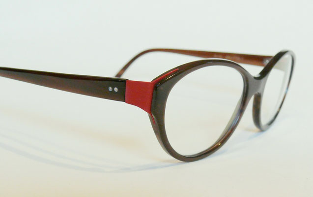 Büffelhornbrille mit Backe aus Federstahl Naturhornbrille
