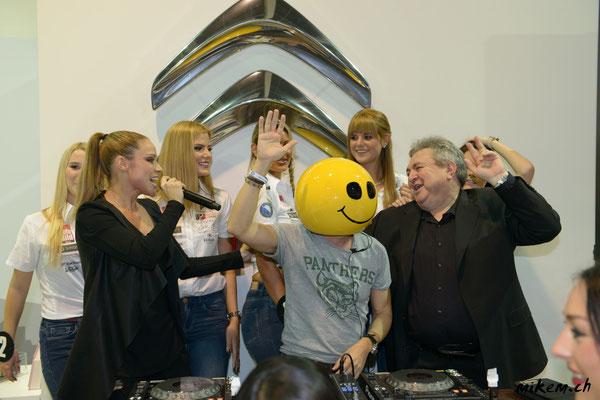 Mike Candys & Evelyn an der Auto Zürich 2014 mit Miss Auto Zürich Kandidatinnen und Dieter Buchstab