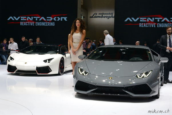 Lamborghini und Hostessen
