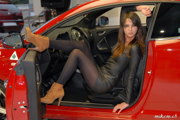 Car and Girl Shooting, Model:  Sofiya Sonja Miroshnyk mit Alfa Romeo Mito