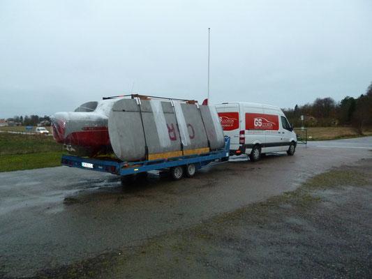 Transport de l'Auster J1 lors de son transfert depuis la Suède