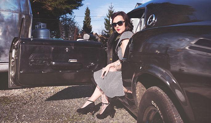 Shooting photo couleur pour elle (vue3), projet photographique avec la Ford Mustang en Normandie