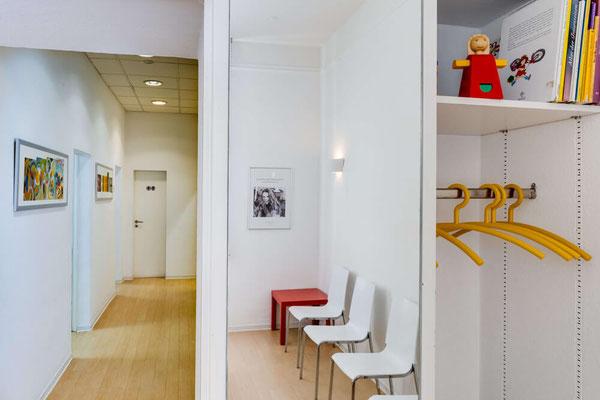 Wartebereich Zahnarztpraxis Helga Dönges Frankfurt
