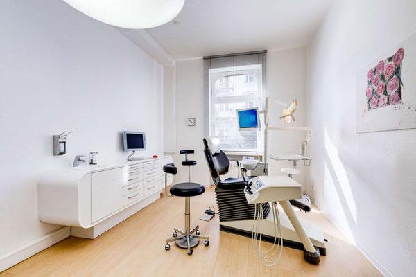 Behandlungsraum Zahnarztpraxis Helga Dönges Frankfurt